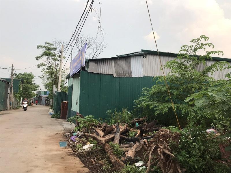 Nam Từ Liêm (Hà Nội): Hàng loạt nhà xưởng, nhà hàng xây dựng trên đất nông nghiệp