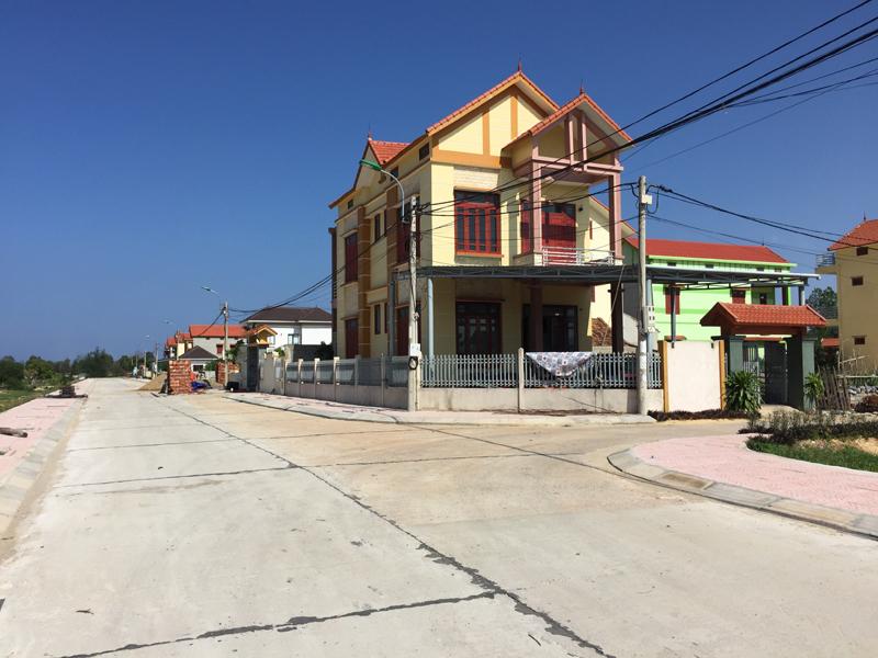 Quảng Bình: Đường vào khu tái định cư xã Bảo Ninh bị nứt kết cấu bê tông, do đâu?