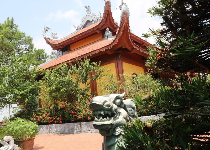 Quảng Ninh: Kỳ lạ đảo Thẻ Vàng trên đỉnh núi cao có một giếng nước