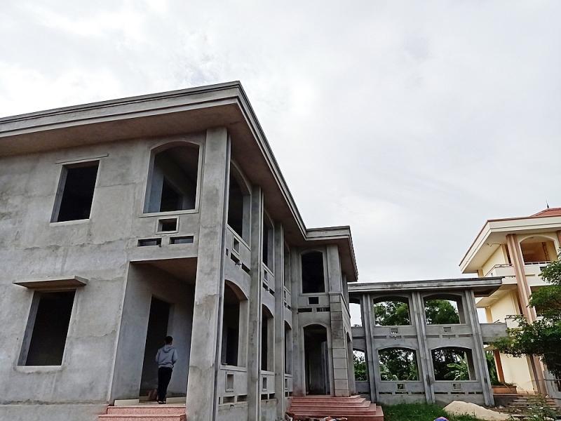 Công trình nhà Hiệu bộ trường THPT Nguyễn Hữu Thận.