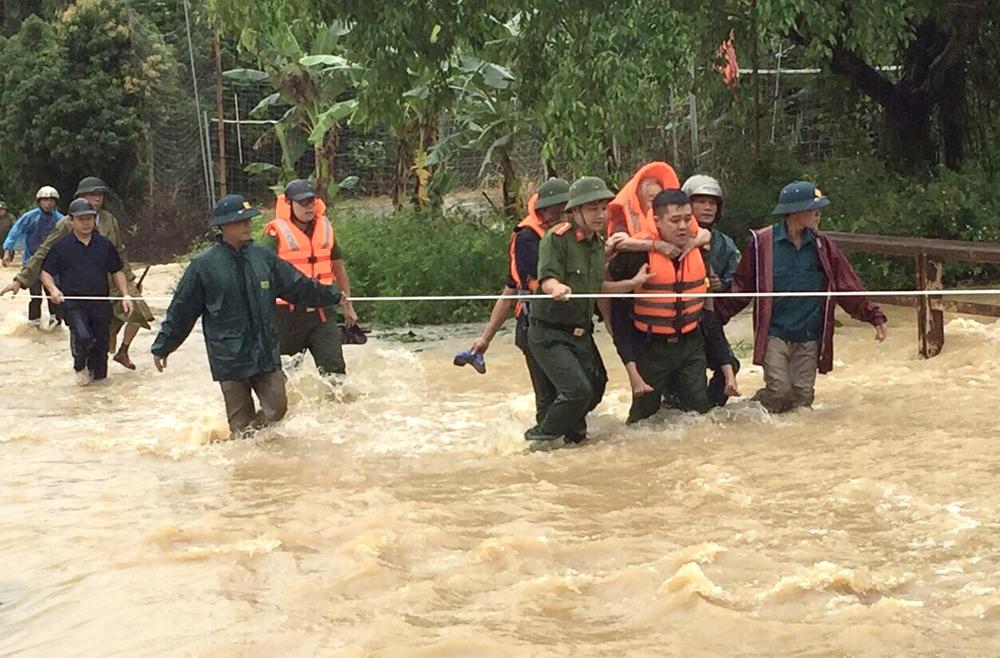 Phú Thọ: 2 người chết, 7 người bị thương do mưa lớn