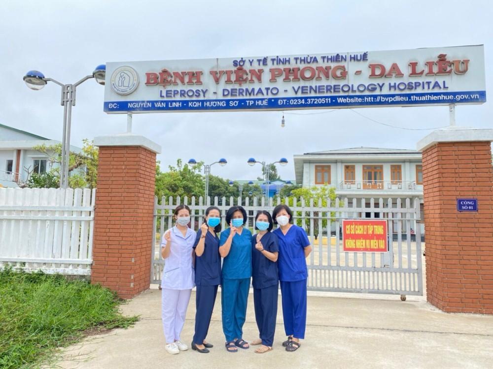 Hàng chục giảng viên Trường Cao đẳng Y tế Huế tham gia phòng, chống dịch Covid-19