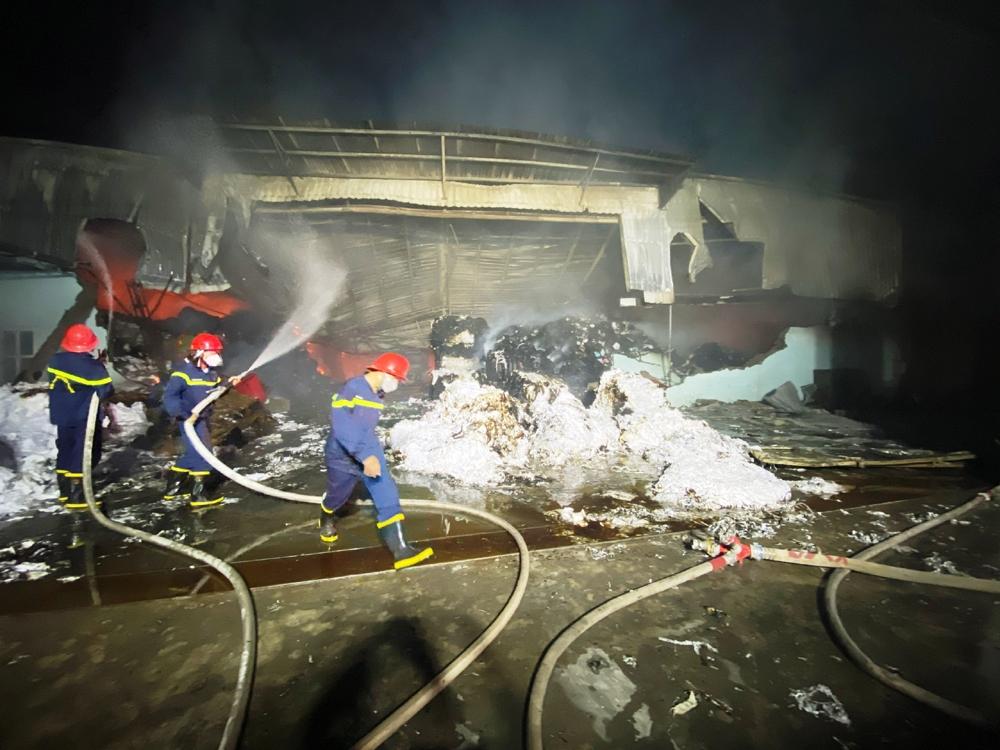 Hải Phòng: Hiểm họa cháy nổ từ những nhà xưởng, nhà kho gần khu dân cư