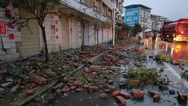 Động đất ở Trung Quốc: Tâm chấn ở độ sâu 10km, kích hoạt phản ứng khẩn