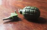 Nát bàn tay vì lựu đạn đồ chơi phát nổ