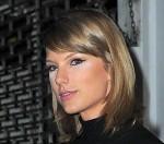 """Taylor Swift dính """"thảm họa"""" trang điểm"""