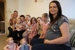 Anh: Đẻ 12 con để nhận 1,3 tỉ tiền trợ cấp mỗi năm