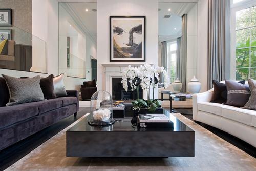 183038baoxaydung image008 Thiết kế nhà phòng khách hiện đại với gương trang trí
