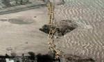 Ảnh chụp trên cao hé lộ sự tàn phá do sóng thần gây ra tại Indonesia