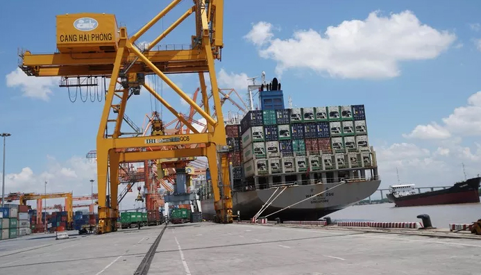 Việt Nam nhập siêu gần 400 USD trong nửa đầu tháng 10/2019