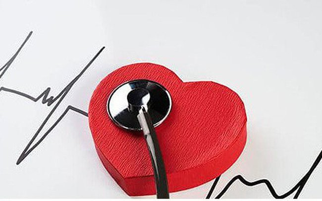 Bác sĩ nói gì về thông tin viêm cơ tim gây tử vong 'nhanh hơn điện'