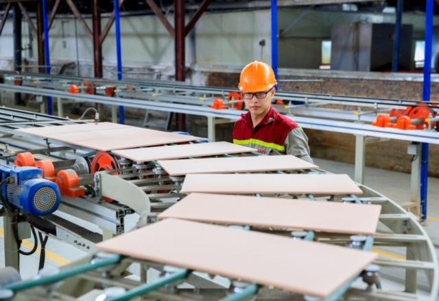 Tổng sản phẩm trên địa bàn Thành phố Hà Nội ước tăng hơn 7%, đạt mục tiêu Đại hội Đảng bộ lần XVI đề ra
