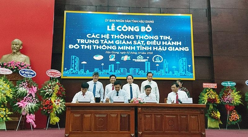 hau giang cong bo cac he thong thong tin trung tam giam sat dieu hanh do thi thong minh