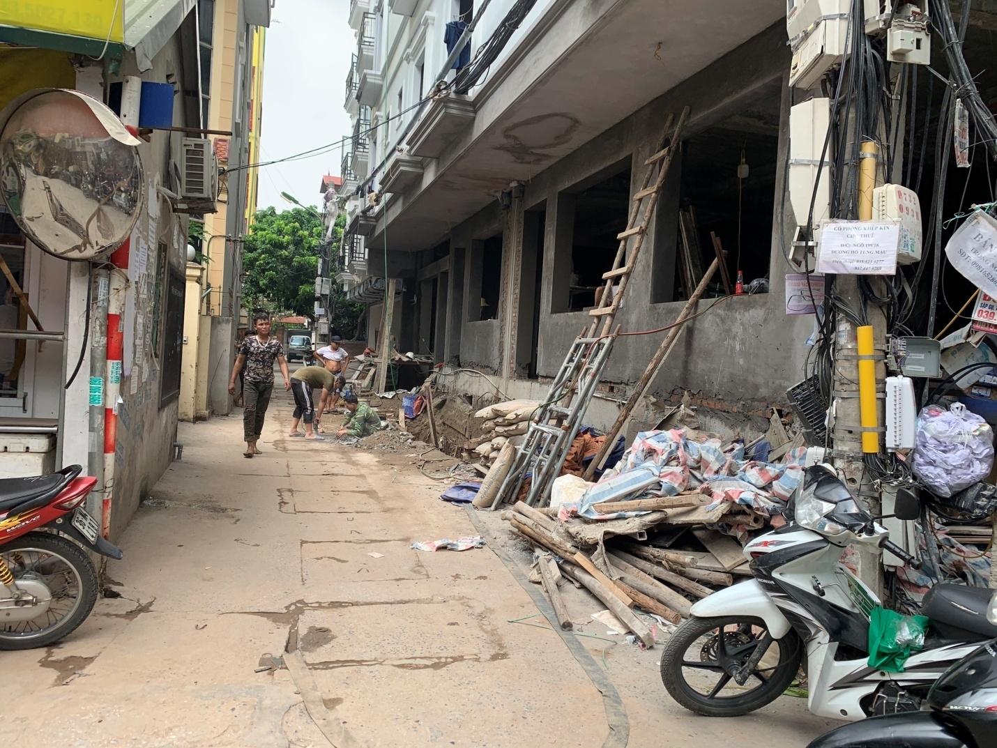 """Nam Từ Liêm (Hà Nội): """"Nở rộ"""" công trình vi phạm trật tự xây dựng tại phường Cầu Diễn"""