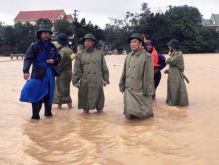 Quảng Bình: Hoãn Đại hội Đảng bộ tỉnh để tập trung lực lượng ứng cứu dân vùng lũ
