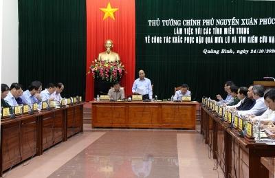 Thủ tướng Chính phủ làm việc với 5 tỉnh miền Trung về công tác khắc phục hậu quả mưa lũ kéo dài