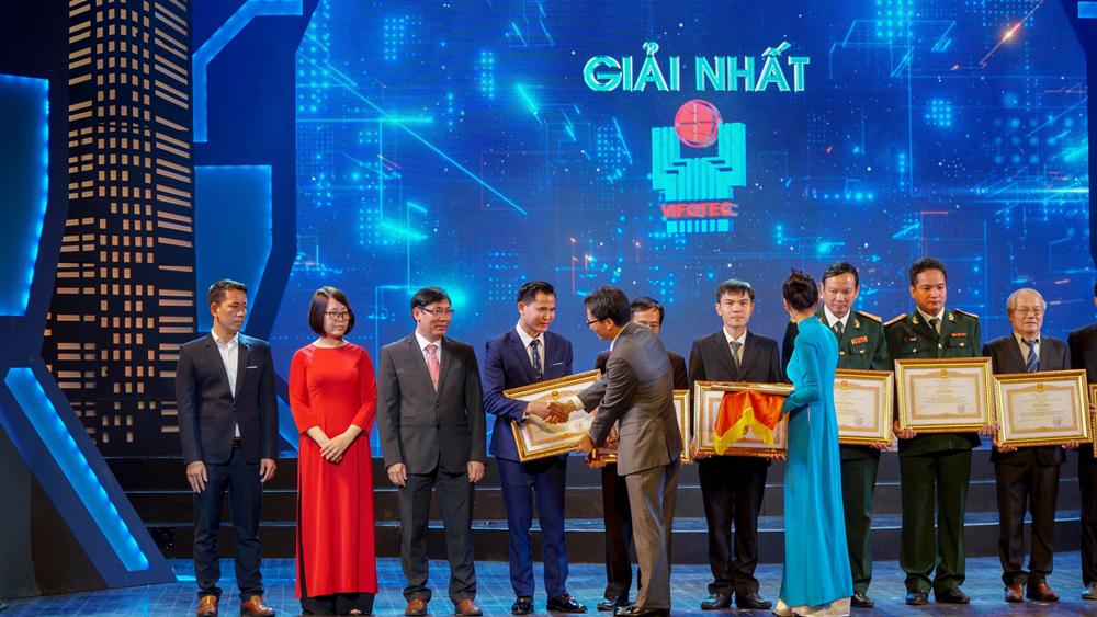 quang ninh mot doanh nghiep san xuat vat lieu xay dung duoc chinh phu tang bang khen