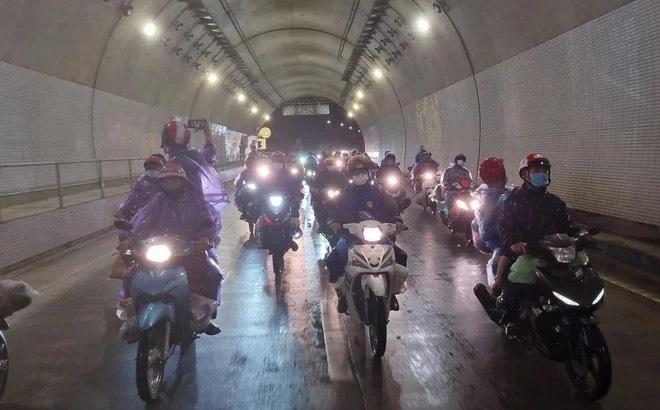 Đà Nẵng: Mở hầm Hải Vân cho người dân từ vùng dịch phía Nam về quê bằng xe máy