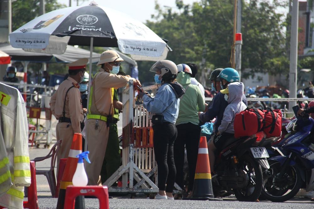 Người dân đi lại giữa 2 tỉnh Quảng Nam - Đà Nẵng sẽ không cần xét nghiệm