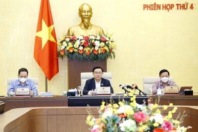 Ủy ban Thường vụ Quốc hội cho ý kiến về kết quả thực hiện kế hoạch phát triển kinh tế - xã hội, ngân sách Nhà nước
