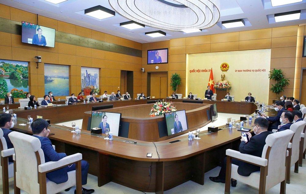 Chủ tịch Quốc hội gặp mặt đoàn doanh nghiệp của Diễn đàn các nhà lãnh đạo doanh nghiệp Việt Nam