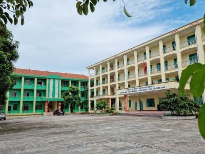 """Quảng Ninh: Trường Trung học phổ thông Nguyễn Trãi """"ế"""" phòng học"""