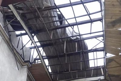 45 nhà dân ở Quảng Ngãi bị tốc mái, sập tường giữa khuya