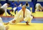 TT Nga Putin nhận bát đẳng huyền đai Karate