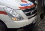 Bảo vệ Bệnh viện Bạch Mai chặn xe vào viện đón bệnh nhân