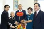 Thủ tướng thăm hỏi, chúc mừng các nhà giáo