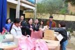 Tặng 653 phần quà từ thiện cho trẻ em chịu ảnh hưởng nặng nề bởi lũ lụt tại Hòa Bình