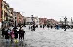 Mưa bão hoành hành tại Italy làm ít nhất 12 người thiệt mạng
