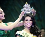 Báo chí quốc tế viết gì về  tân Hoa hậu Trái Đất 2018 - Nguyễn Phương Khánh?