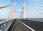 Cầu Bạch Đằng có hiện tượng lún võng không phải do chất lượng xây dựng kém