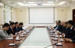 Thứ trưởng Nguyễn Văn Sinh tiếp Chủ tịch Liên đoàn BĐS thế giới Assen Makedonov