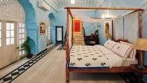 hau due hoang gia cho thue cung dien tren airbnb