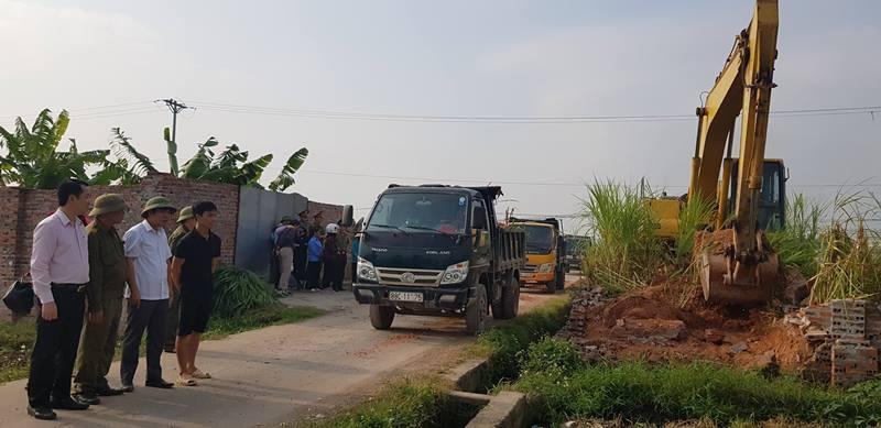 Vĩnh Tường (Vĩnh Phúc): Ra quân xử lý vi phạm Luật Đất đai tại xã Đại Đồng