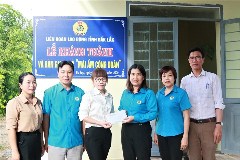 LĐLĐ tỉnh Đắk Lắk: Bàn giao Mái ấm Công đoàn cho đoàn viên vùng biên giới