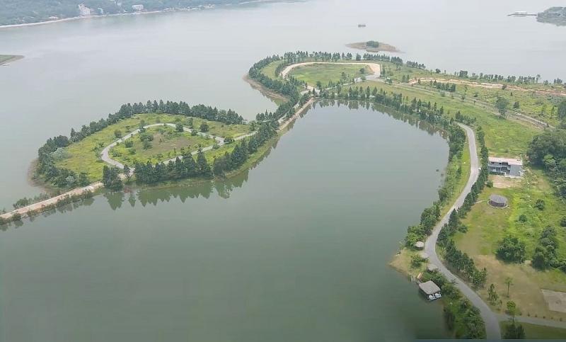 """Công ty Nhật Hằng """"biến"""" mặt nước hồ Đại Lải thành hồ của riêng mình, sao không đập bỏ?"""