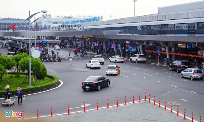 Đề xuất xây cầu bộ hành, hầm chui trong sân bay Tân Sơn Nhất