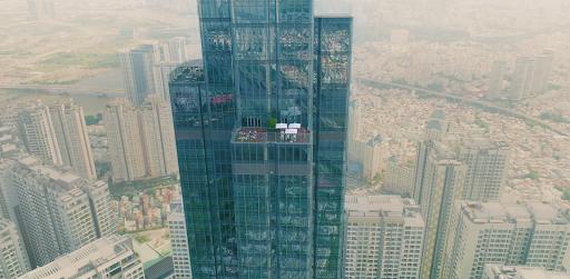 Trường học mở trên đỉnh toà nhà cao nhất Đông Nam Á để bảo vệ trẻ em khỏi ô nhiễm không khí