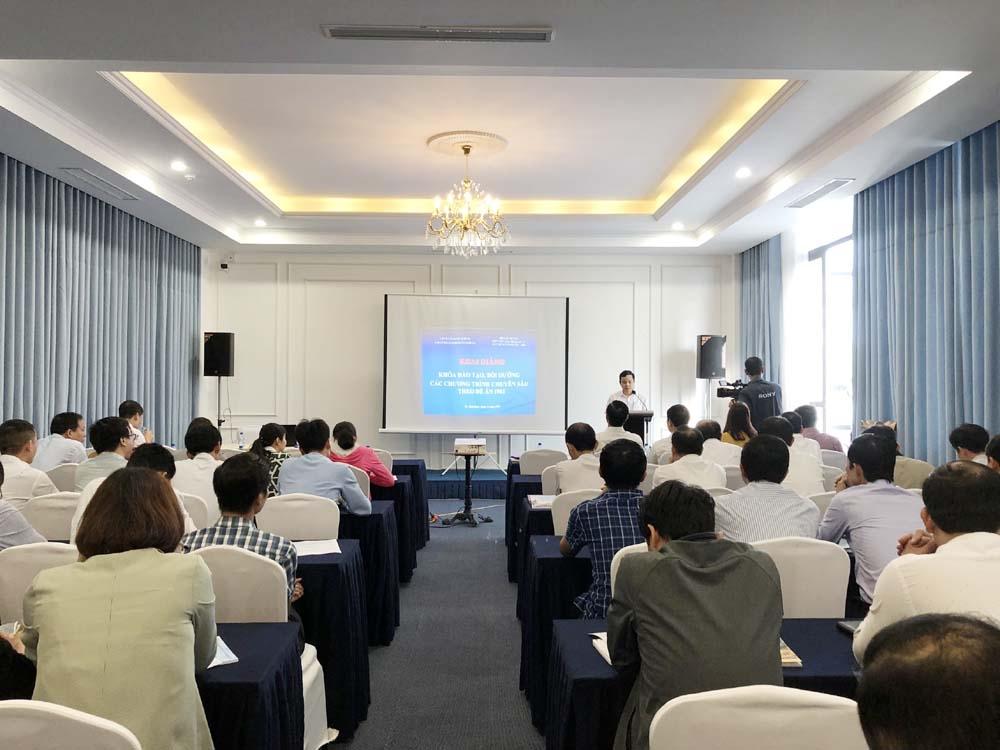 Nâng cao năng lực quản lý xây dựng và phát triển đô thị cho gần 100 cán bộ thành phố Thái Bình