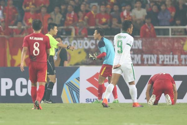 Việt Nam dừng bước trước Indonesia tại bán kết AFF Cup