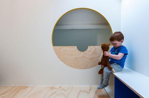 Giường ngủ 2 tầng với thiết kế đa năng cho trẻ nhỏ