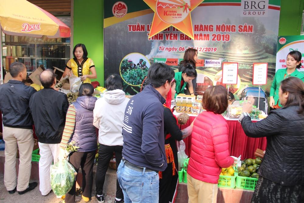 """Tưng bừng """"Tuần lễ giới thiệu hàng nông sản tỉnh Yên Bái năm 2019"""" tại Hà Nội"""