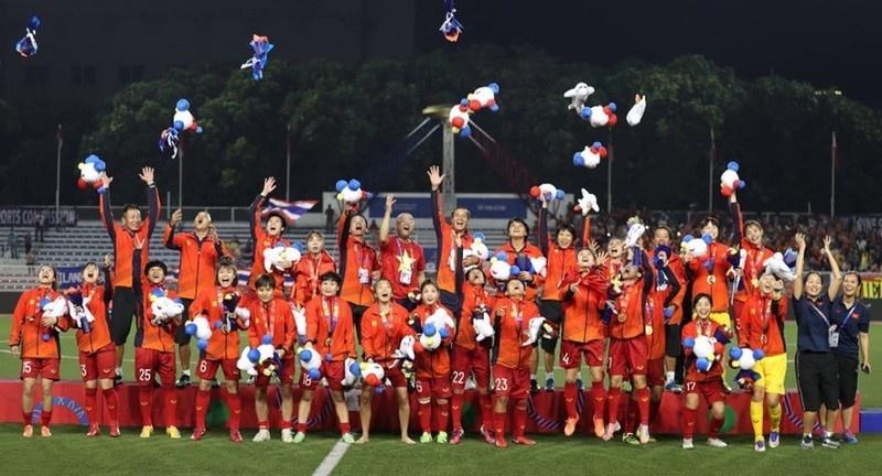 Hưng Thịnh Corp thưởng nóng 1 tỷ đồng cho đội tuyển bóng đá nữ Việt Nam
