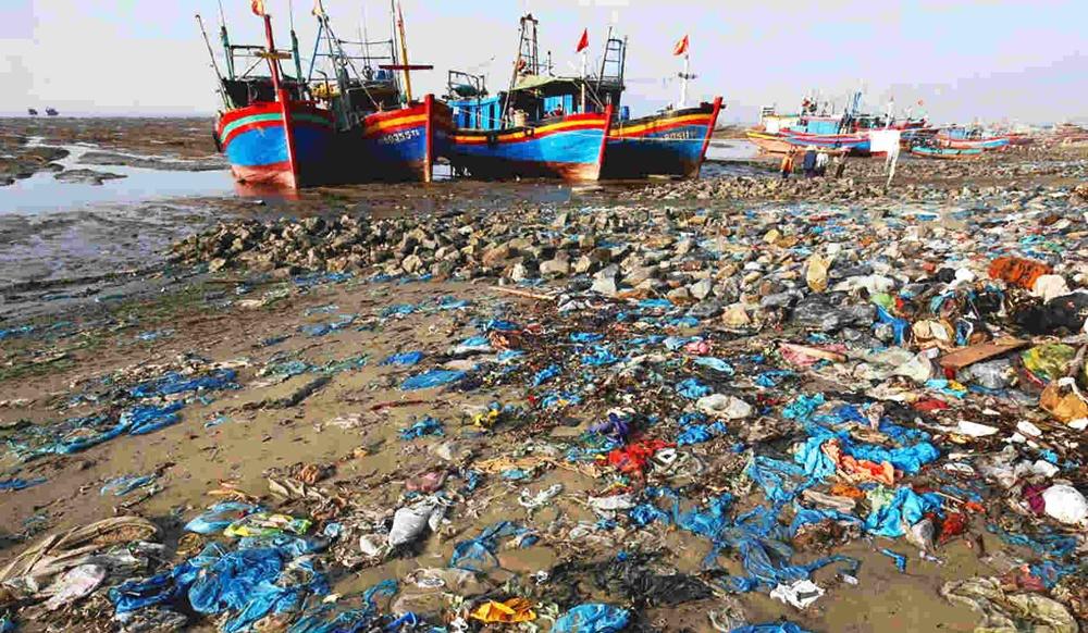 Việt Nam đặt mục tiêu đến năm 2030 không còn rác thải nhựa tại các bãi biển