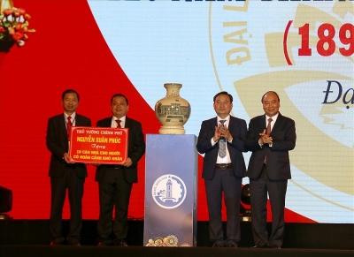Thủ tướng tặng 10 căn nhà cho gia đình có hoàn cảnh khó khăn ở Quảng Nam