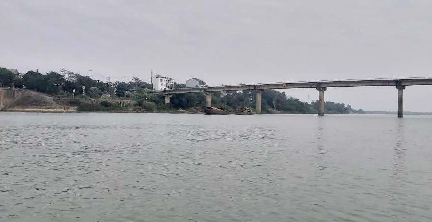 Nghệ An: Kết quả mẫu nước sông Lam không phát hiện nhiễm dầu mỡ