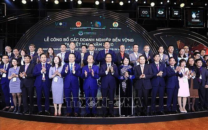 cong bo top 100 doanh nghiep phat trien ben vung tai viet nam